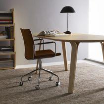 Chaise de bureau contemporaine / à roulettes / empilable / tapissée