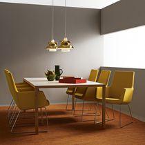 Table contemporaine / en chêne / en bois massif / rectangulaire
