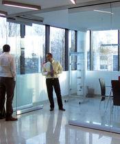 Cloison coulissante-empilable / vitrée / à usage professionnel / sans montant vertical