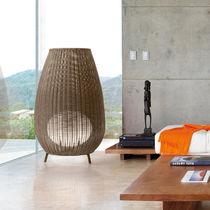 Lampe de sol / contemporaine / en fibres synthétiques / en polyéthylène