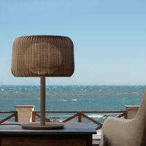 Lampe de table / contemporaine / en polyéthylène / d'extérieur
