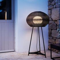 Lampe sur pied / contemporaine / en polyéthylène / d'extérieur