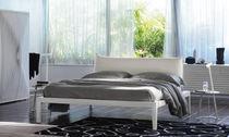 Lit double / contemporain / tapissé / en tissu
