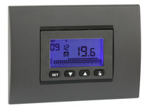 Thermostat programmable / numérique / encastrable au mur / pour chauffage
