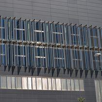 Brise-soleil en maille métallique / en inox / pour façade / vertical