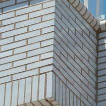 Brique perforée / pour façade / blanche