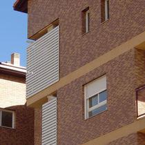Brique perforée / pour façade