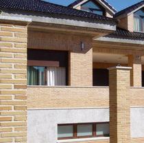 Brique perforée / pour cloison / pour façade / surcuite