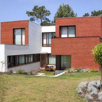 Brique perforée / pour façade / rouge / surcuite
