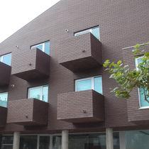 Brique perforée / pour façade / marron / surcuite