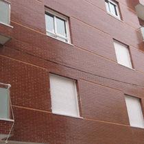 Brique perforée / pour façade / rouge