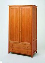 Armoire classique / en bois / avec porte battante / à tiroir