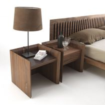 Table de chevet contemporaine / en bois / en cuir / rectangulaire