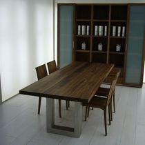 Table contemporaine / en bois massif / en fer / en acier inoxydable