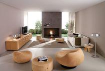 Table basse contemporaine / en bois massif / en cèdre / ronde