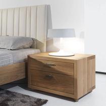 Table de chevet contemporaine / en bois / rectangulaire / avec tiroir