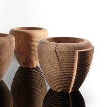 Vase contemporain / en bois