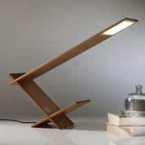 Lampe de table / contemporaine / en bois