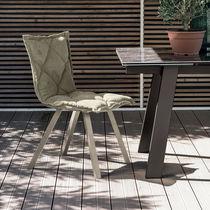 Chaise contemporaine / tapissée / en métal peint