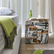 Pouf contemporain / en tissu / avec rangement / carré