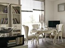 Table de style / en bois peint / en cristal / ronde
