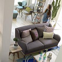 Canapé classique / en bois / en tissu / 2 places