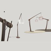Lampe sur pied / contemporaine / en bois