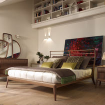 Lit double / classique / avec tête de lit / en frêne