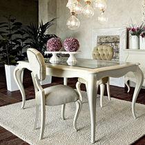 Chaise de style / en tissu / en bois