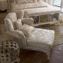 Chaise longue de style / en tissu / en bois / d'intérieur