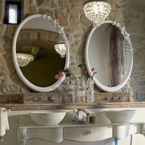Miroir de salle de bain mural / de style / ovale / en bois