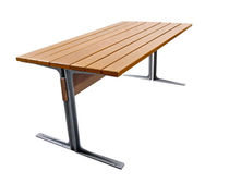 Table contemporaine / en bois / en fer / rectangulaire