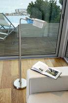 Lampe sur pied / contemporaine / en laiton / en acier