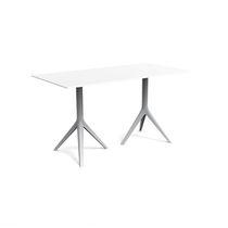 Table contemporaine / en fonte d'aluminium / en aluminium extrudé / en polyéthylène