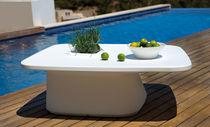 Table basse contemporaine / en polyéthylène / de jardin / 100% recyclable