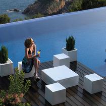 Tabouret contemporain / en polyéthylène / 100% recyclable / de jardin