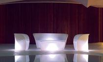 Table basse design organique / en polyéthylène rotomoulé / ovale / de jardin