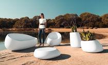 Table basse design original / en polyéthylène / ronde / de jardin