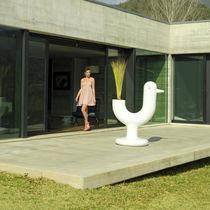 Pot de jardin en polyéthylène / lumineux / par Eero Aarnio