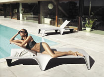 Bain de soleil design original / en polyéthylène / de jardin / dossier ajustable
