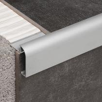 Profilé de finition en aluminium / pour façade