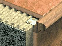 Nez de marche en bois / en aluminium