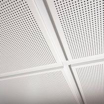 Faux-plafond en métal / en dalles / perforé