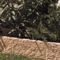 Bordurette de jardin / en pierre reconstituée / linéaire / horizontale