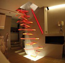 Escalier droit / marche en verre / structure en métal / sans contremarche