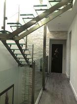 Escalier quart tournant / demi-tournant / marche en verre / structure en acier inoxydable