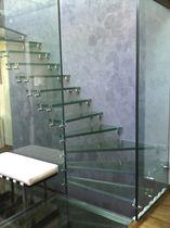 Escalier quart tournant / demi-tournant / marche en verre / structure en verre