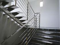 Escalier demi-tournant / marche en acier inox / structure en acier inoxydable / sans contremarche
