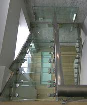 Escalier demi-tournant / marche en verre / structure en acier inoxydable / sans contremarche