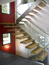 Escalier droit / demi-tournant / marche en bois / structure en acier inoxydable